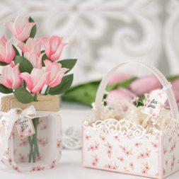 Amazing Paper Grace March 2021 Die of the Month - 3D Mini Vignette Floral Mason Jar - detailed information at www.amazingpapergrace.com/?p=37003