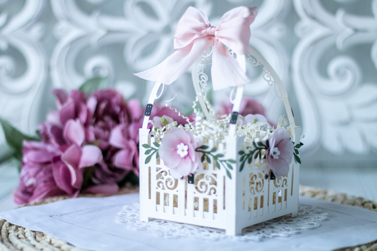 Amazing Paper Grace May 2021 Die of the Month - Mini 3D Vignette Garden Gate - detailed information at www.amazingpapergrace.com/?p=37118